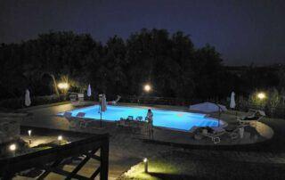 Agriturismo Tenuta i Mandorli - Foto notturna della piscina